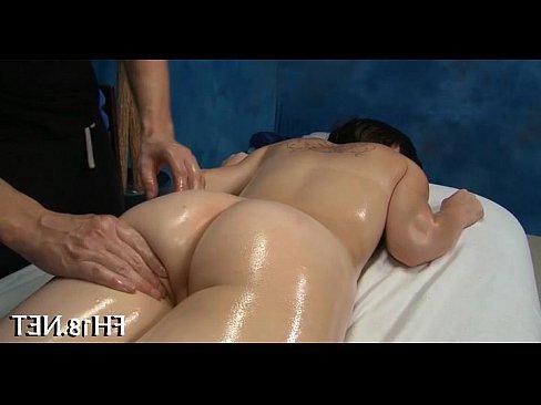 порно с красивой кудрявой мамой миссионер