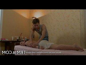 мужчина трахает парня порно