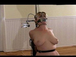 жена кормит грудью трахают